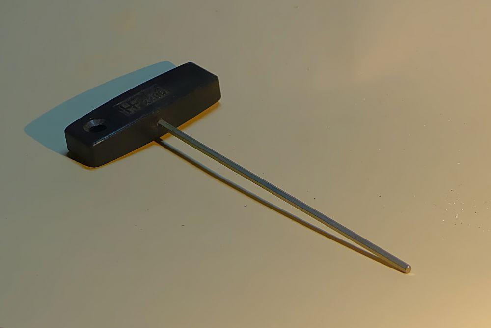 8 Inbus Schlüssel - SW 3 mm mit Kunststoffknebel