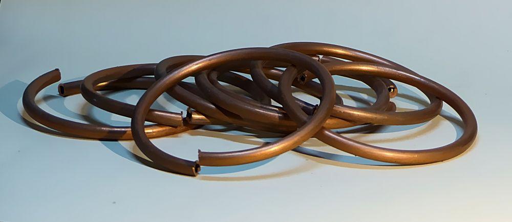 8 Ringe aus Kupferrohr