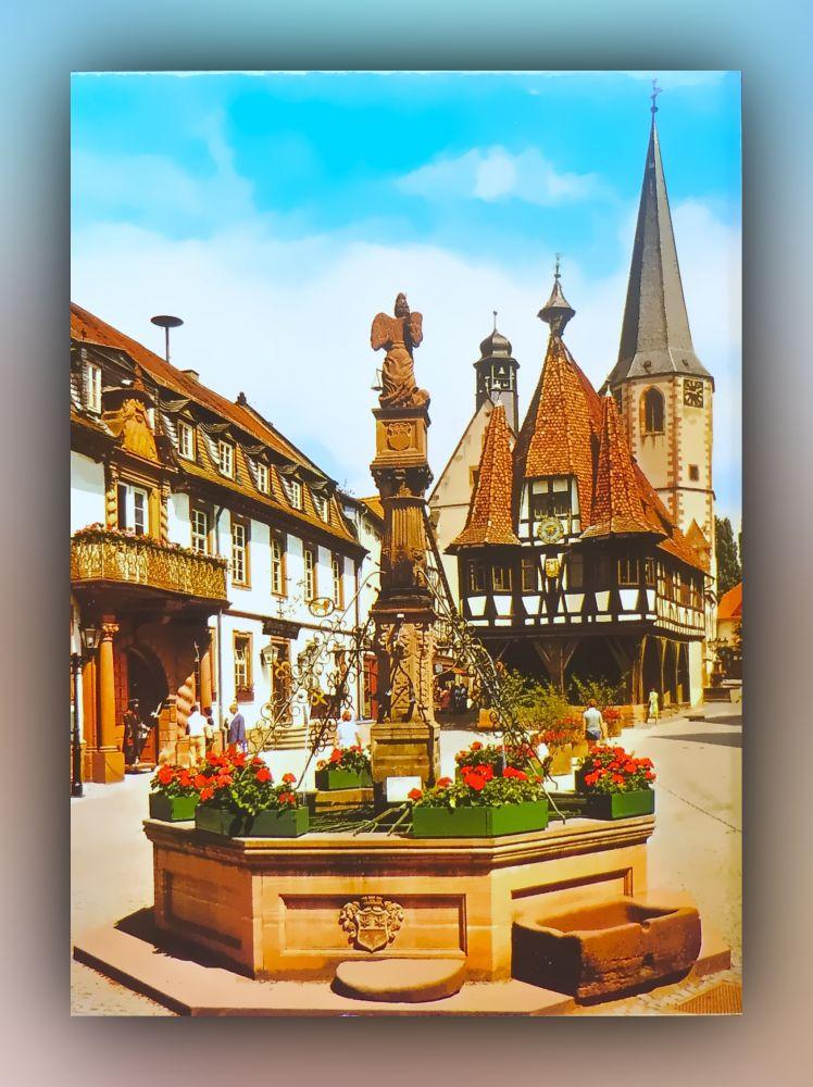 6120 Michelstadt - das Herz des Odenwaldes - Marktplatz mit historischem Rathaus (erbaut 1484)