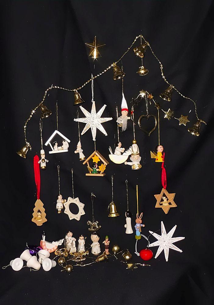 Weihnachtsdekoration Holz und Kunststoff