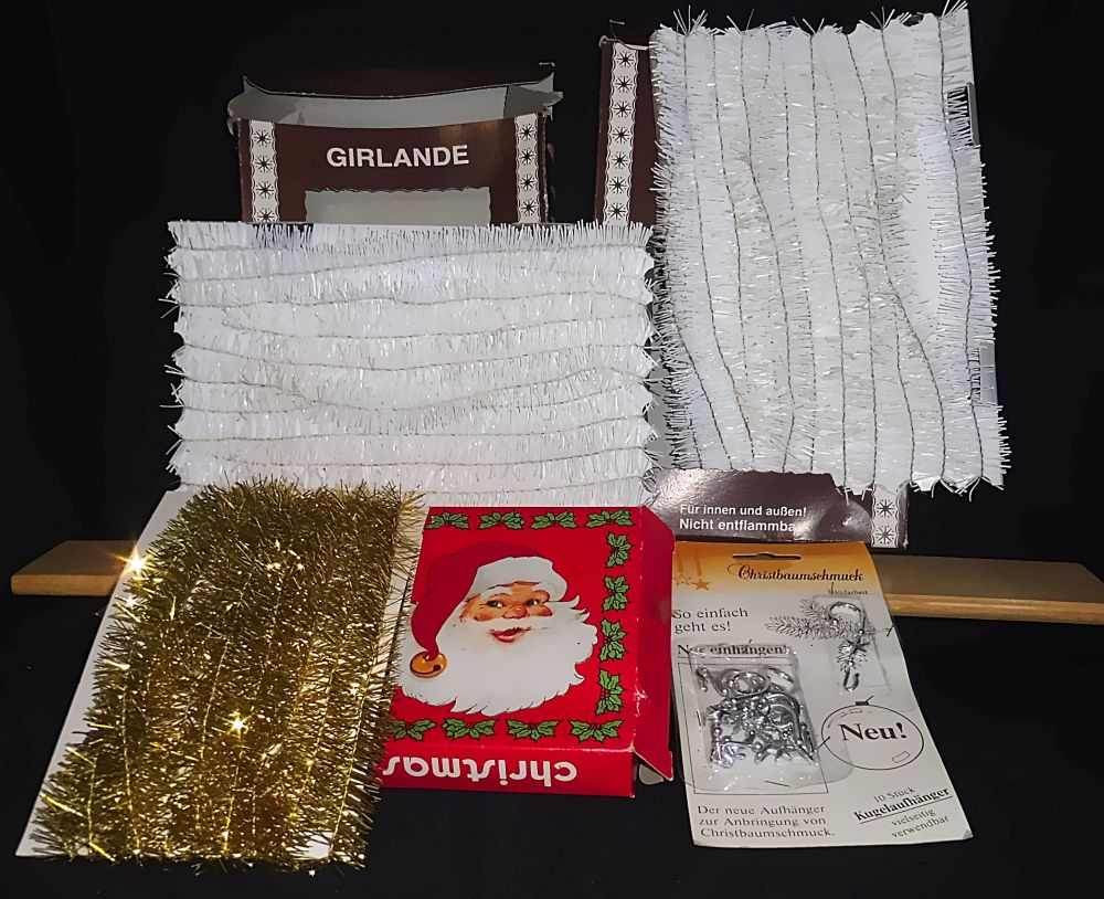 Weihnachtsdeko: 14 Meter Girlanden, 10 Kugelaufhänger