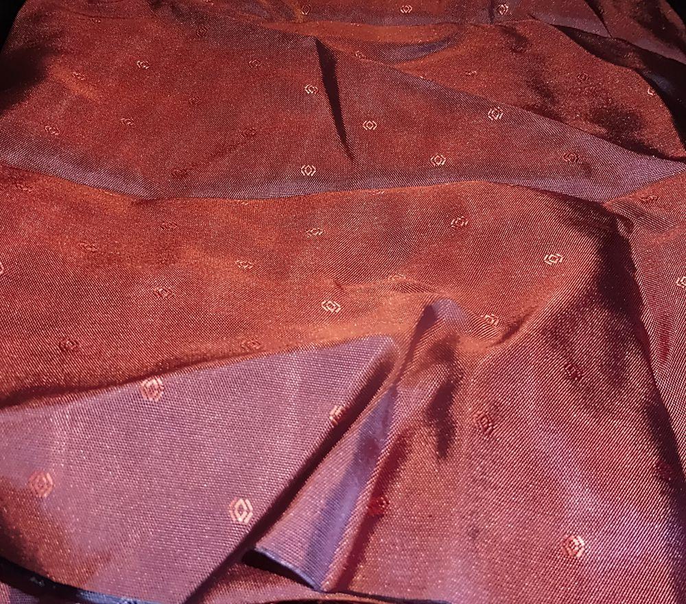 Futterstoff - Purple mit glitzernden Elementen - 140x100 cm